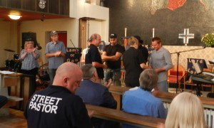 120909 - commissioning new Street Pastors (2)